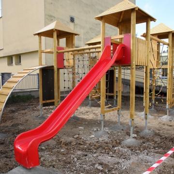 dětské hřiště (1)
